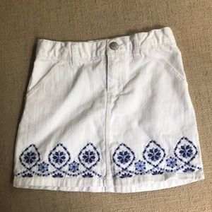 Gymboree white denim skirt with blue accents size6